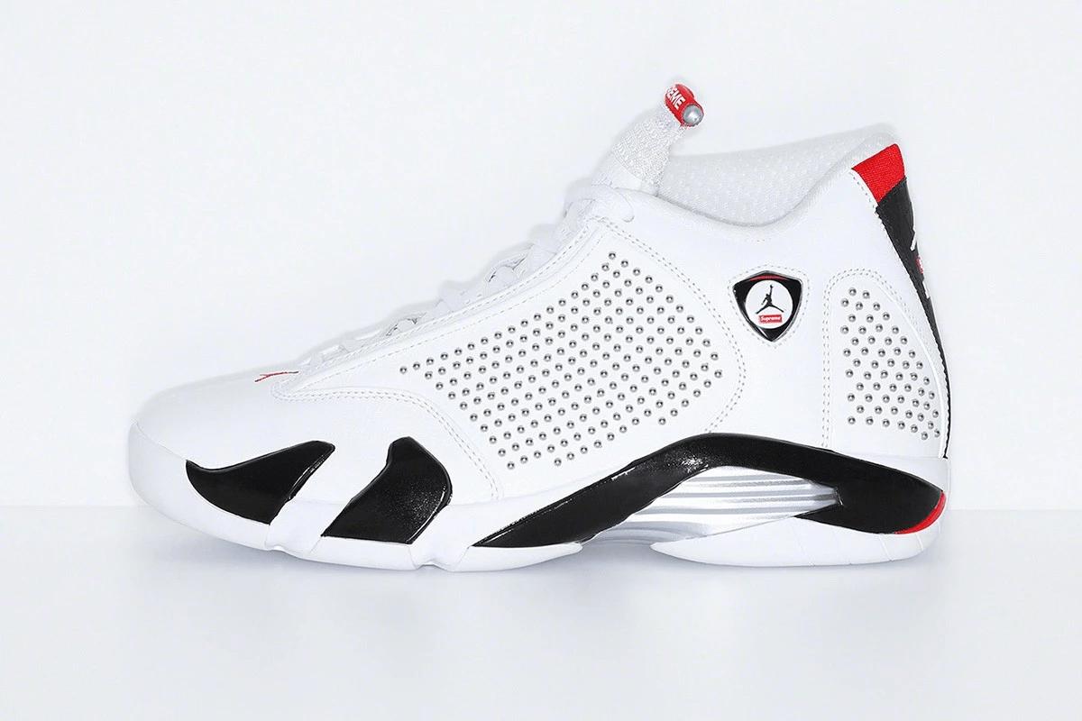 Λευκό αθλητικό παπούτσι Jordan XIV