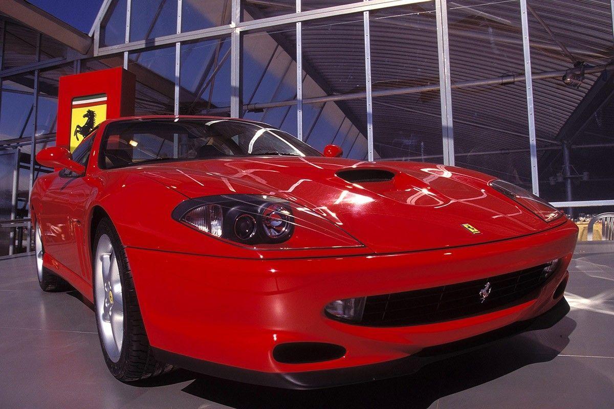Κόκκινη Ferrari 550 Maranello σε έκθεση